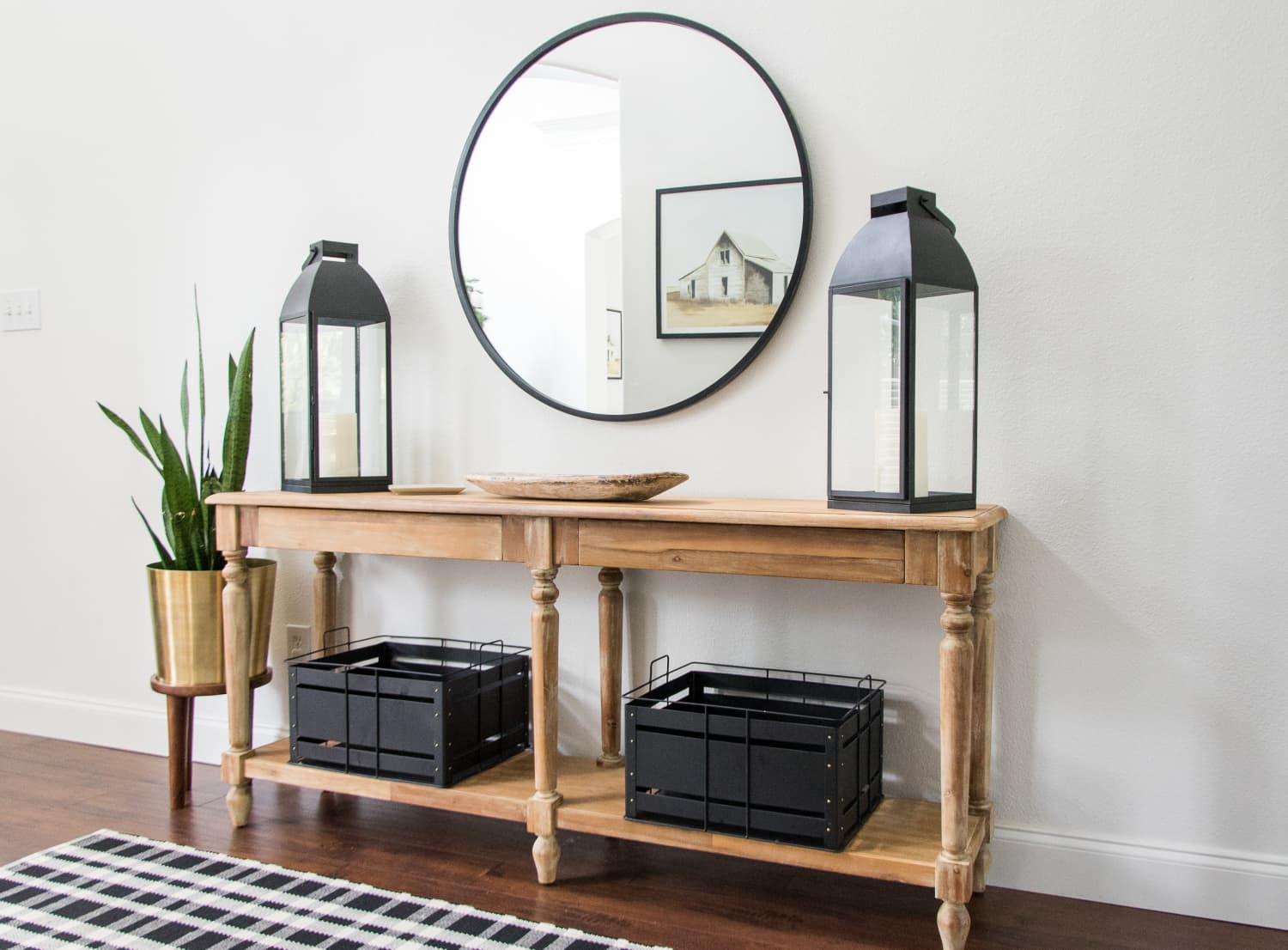 3 Overdone Entryway Trends You Should Stop Trying, According to Home Stagers