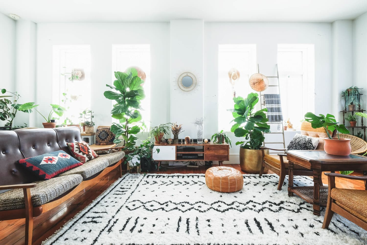 This Under-the-Radar Brand Makes Chic Rugs That Are Water-Resistant, Machine-Washable, and Affordable