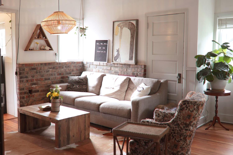 This Ethereal Boho Portland Rental House Has an Incredibly Cute Sunroom