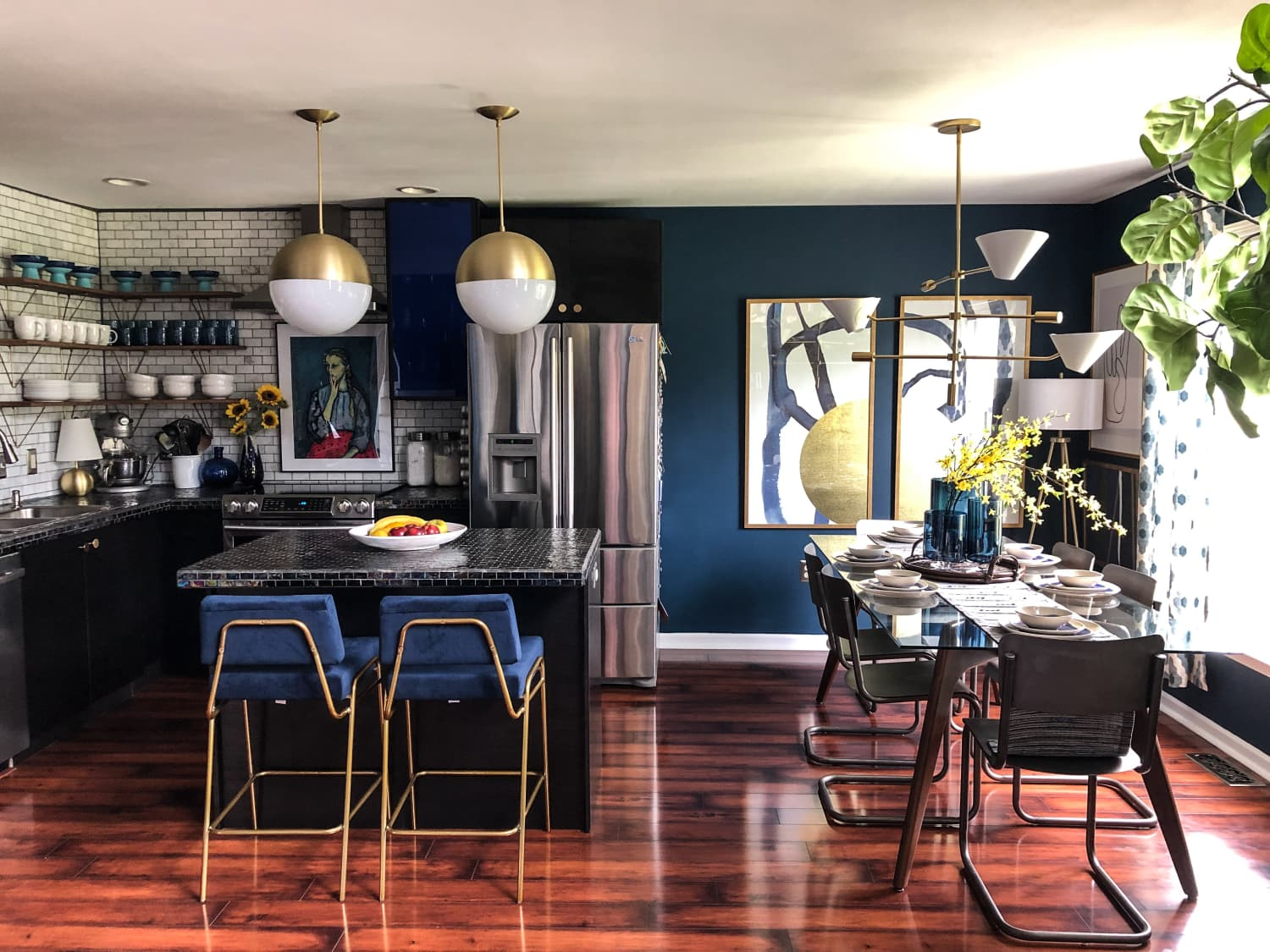 A Once-Beige Townhouse Is Now Incredibly Bold, Dramatic, and Colorful