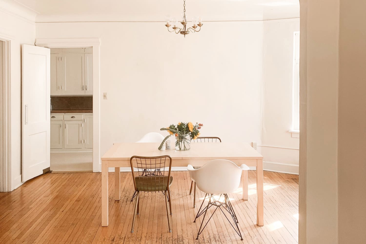 This Sparse But Stylish Scandi-Inspired Home Is Proof of Just How Soothing Minimalism Can Be
