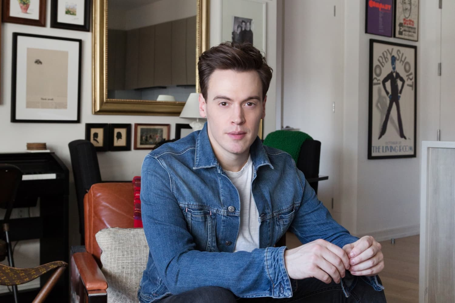 Actor Erich Bergen's NYC Apartment Is a Cool, 'Mid-Century Modern Meets Studio 54' Style