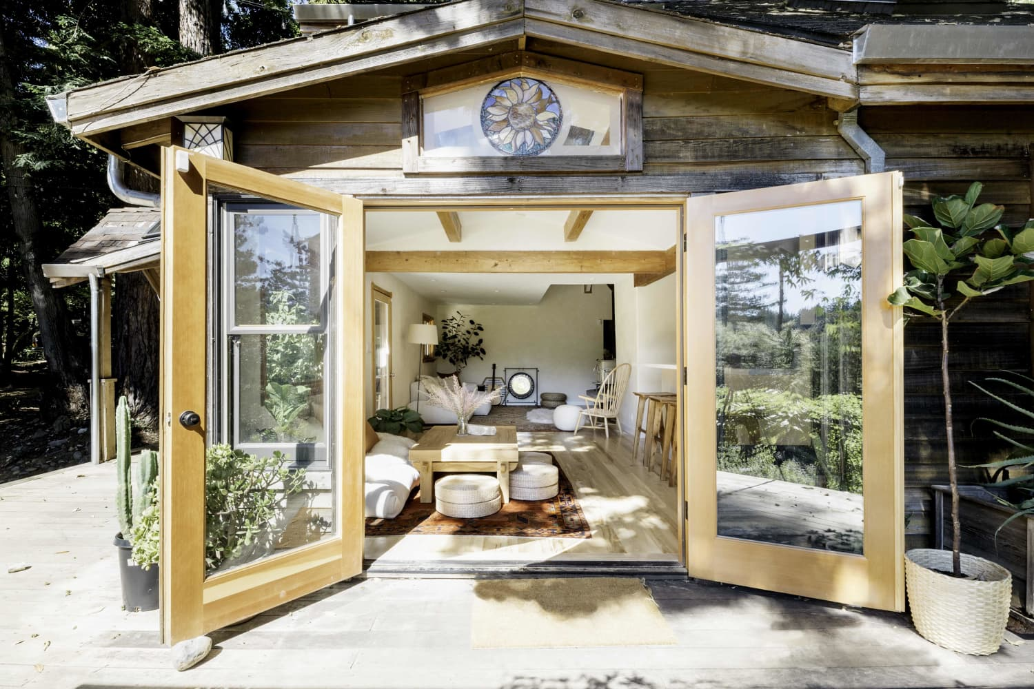 This Cozy, Light-Filled California Cabin Makes for a Magical Home