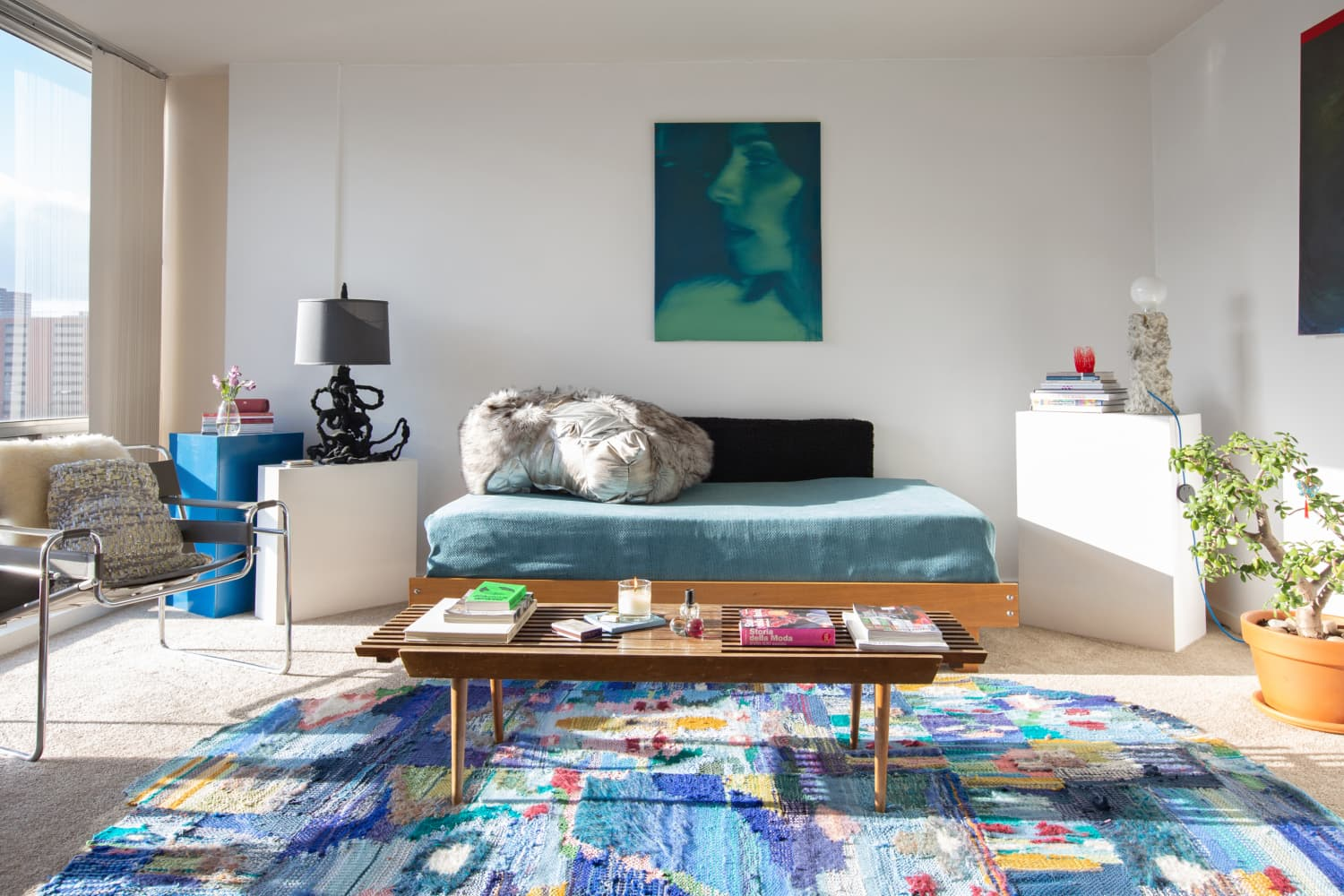 A 550-Square-Foot Studio Proves Life Is Too Short for Boring Apartments