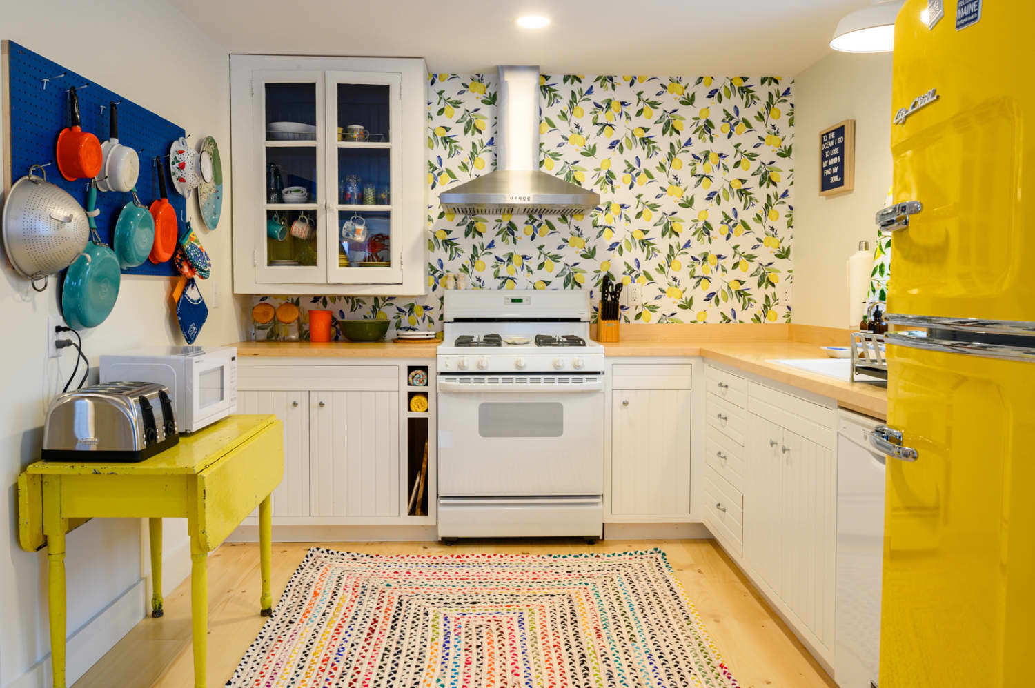 A Remodeled 1940s Maine Cottage Is a Cheery Mix of Color and Nautical Elements