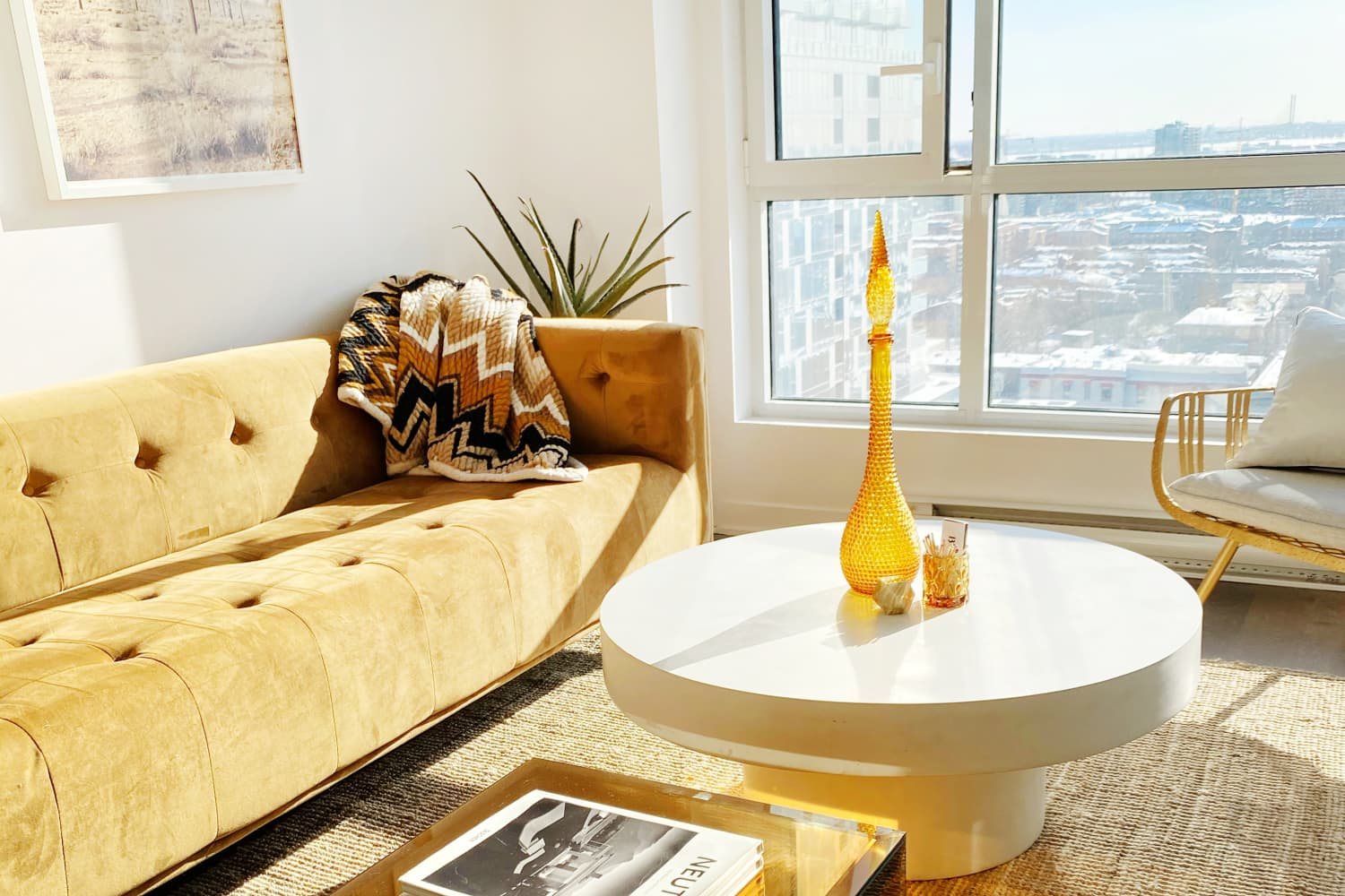 A Compact 560-Square-Foot Condo Is a Cool Mix of Vintage Pieces from the '60s and '70s