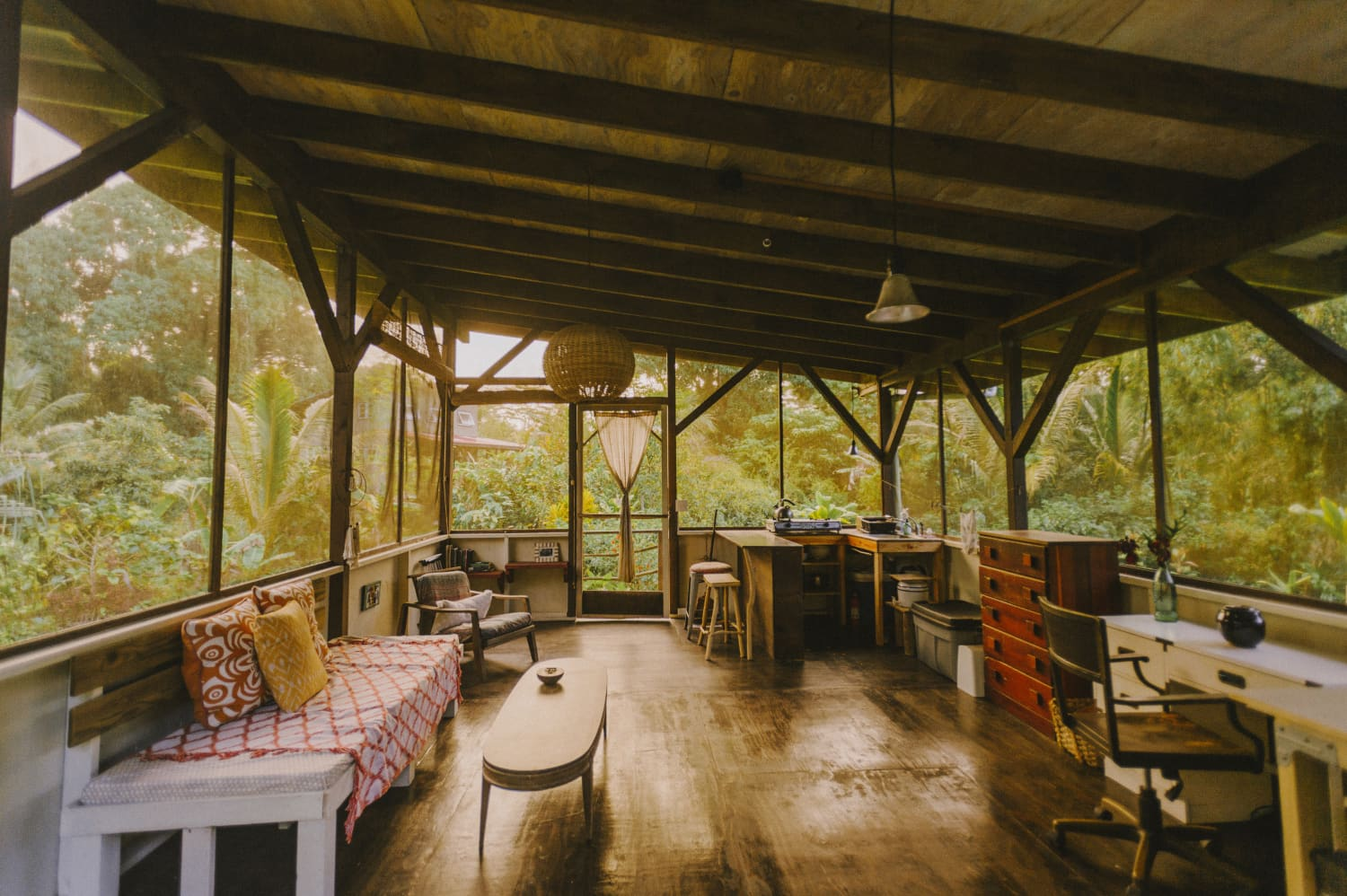 This Off-the-Grid Hawaii Homestead Is a Handmade Slice of Paradise