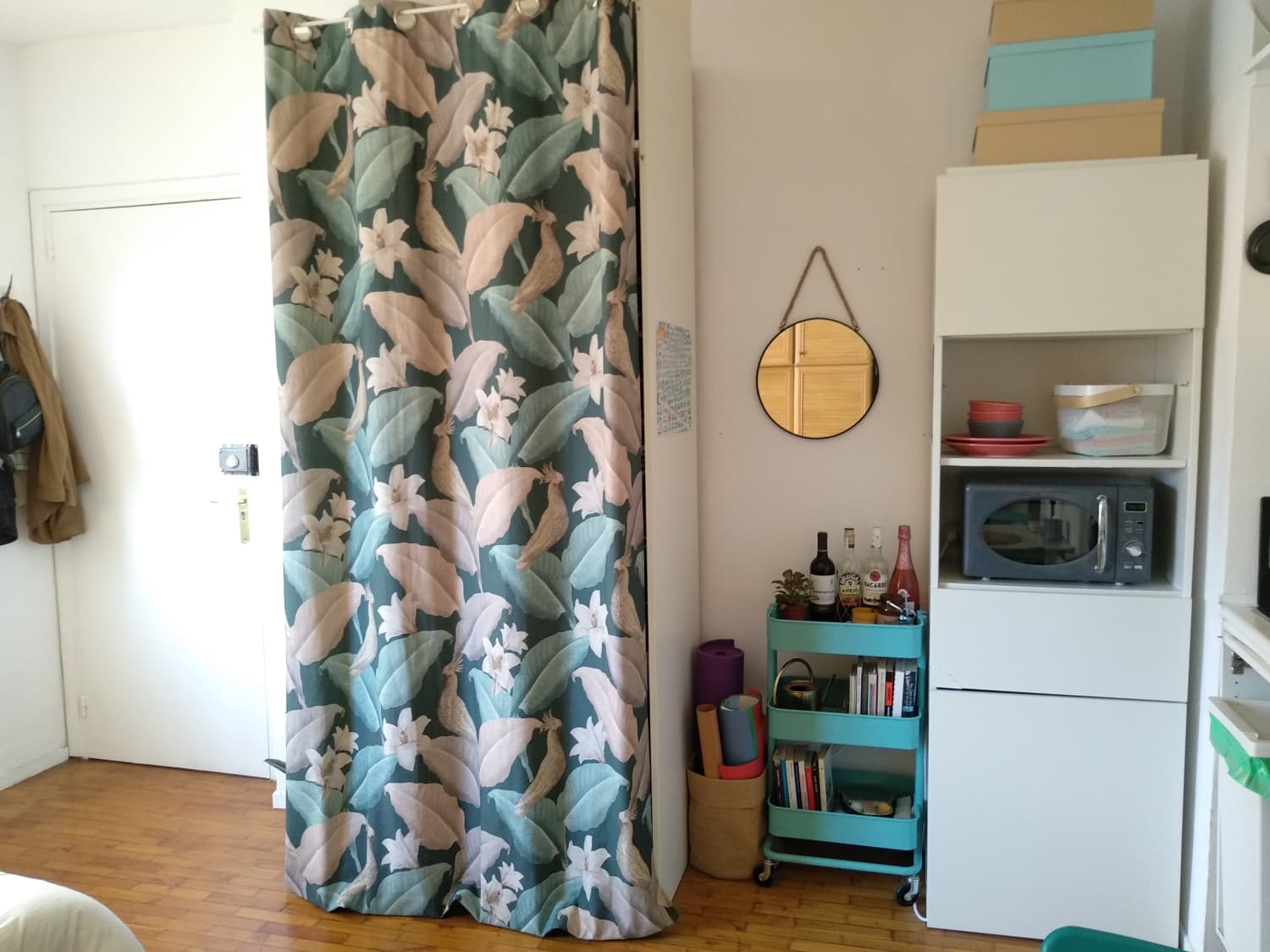 A Teeny 215-Square-Foot Spanish Studio Is a Cozy, Small, Sweet Home