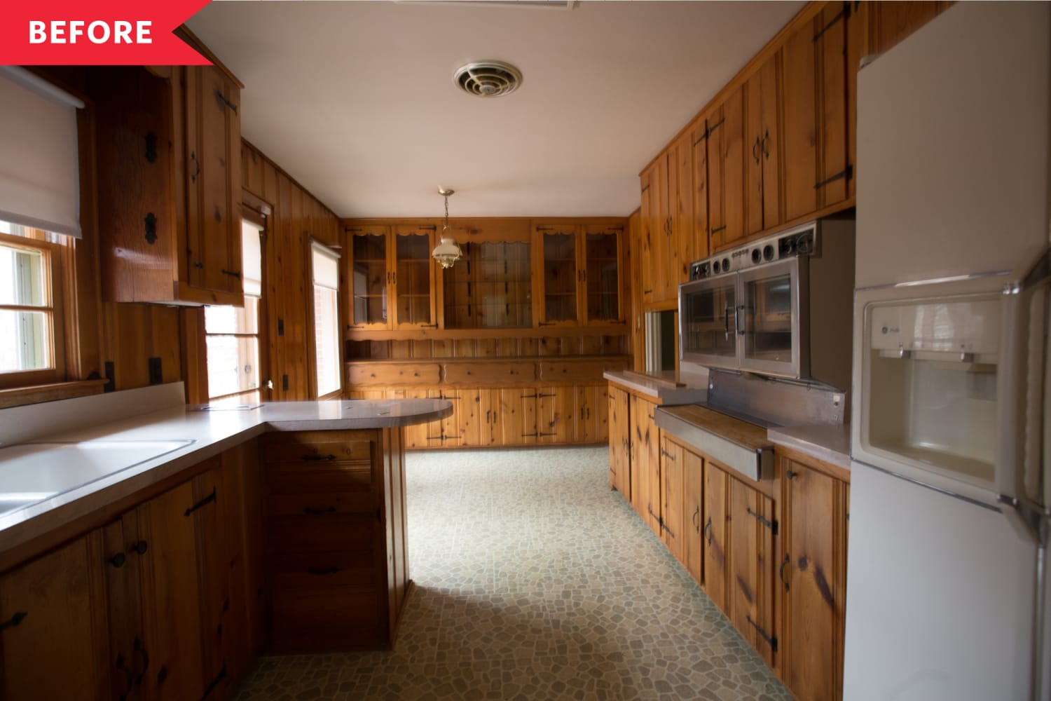 """This Kitchen with """"Endless Knotty Pine"""" Gets a Gorgeous Refresh"""