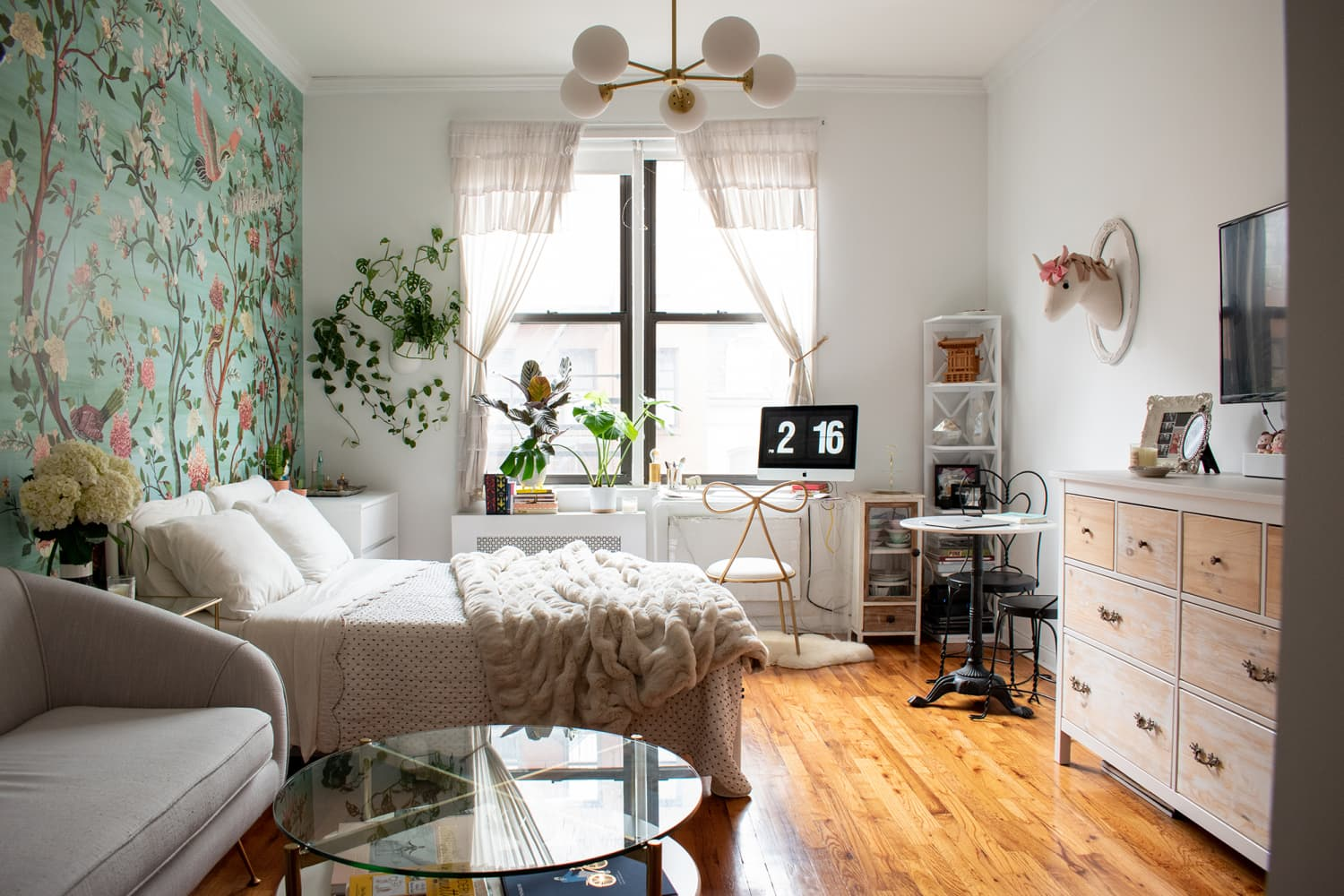 A 315-Square-Foot NYC Studio Shows How to Use Art and Wallpaper to Create Distinct Zones