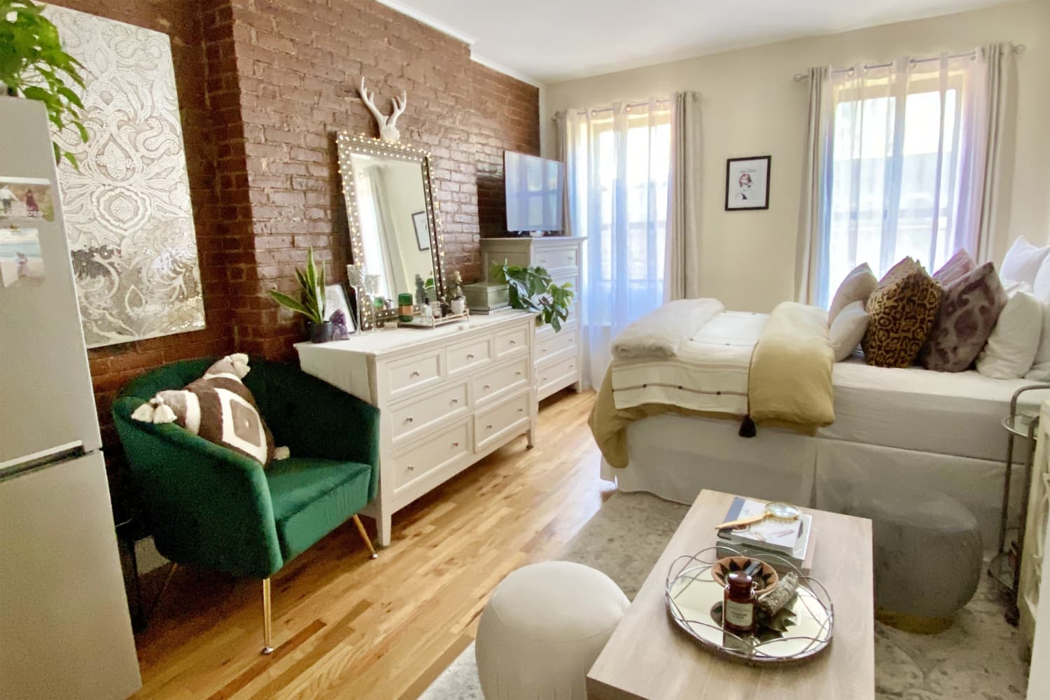 A 300-Square-Foot NYC Studio Apartment Is Like a Glam Little Hotel Room