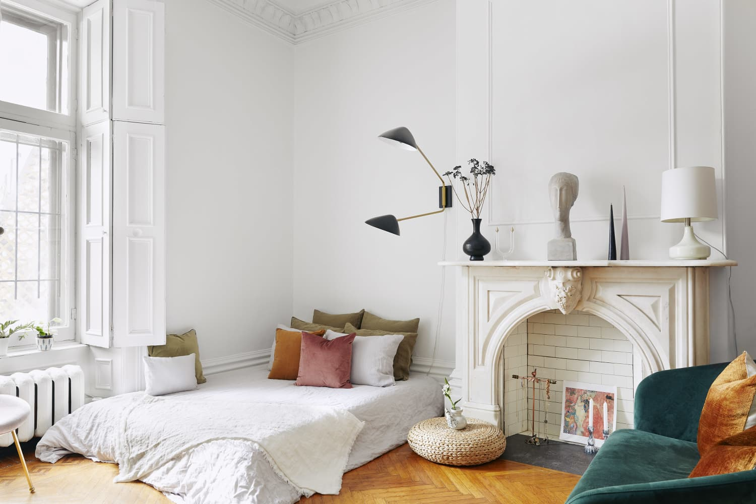 This Easy Bed Placement Trick Will Max Out Your Bedroom's Square Footage Instantly