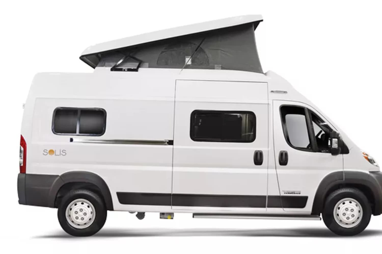 Winnebago's First Pop-Top Camper Van Will Comfortably Fit Your Family of Four