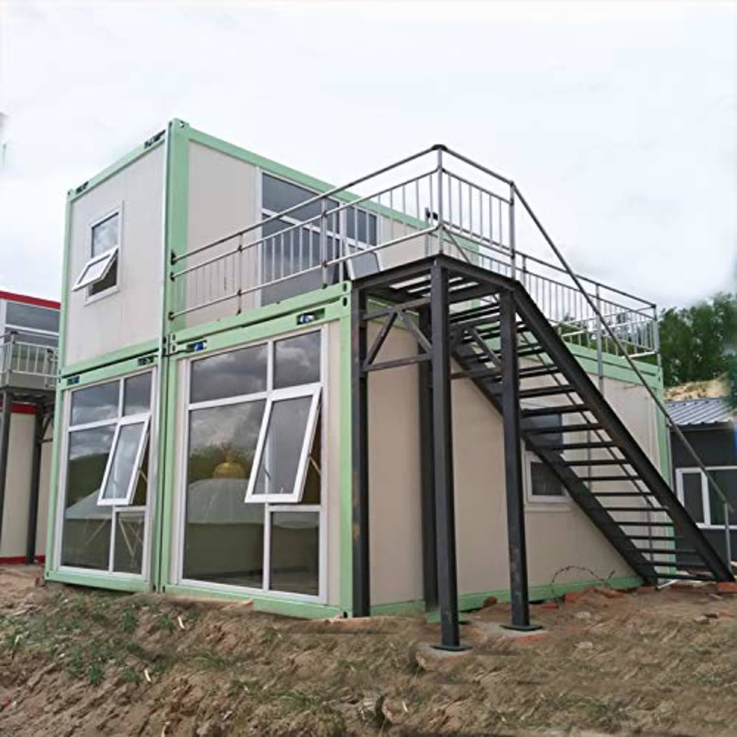 This Prefab Container House Sleeps Four and Has a Roof Deck