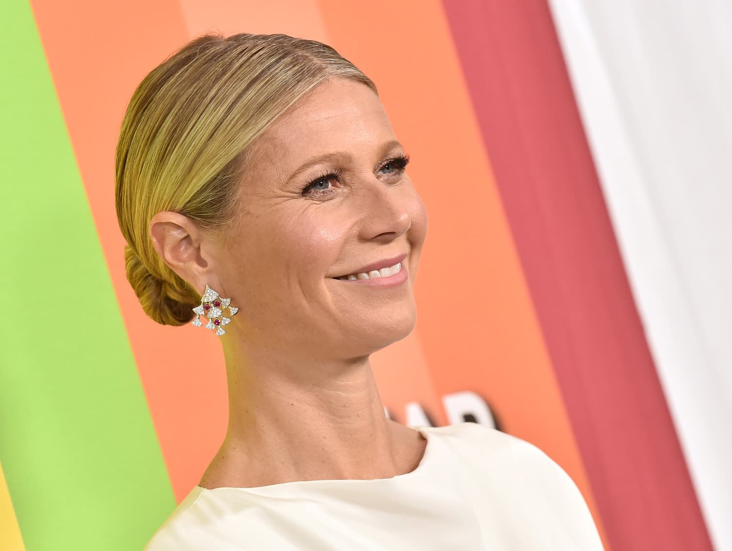 Goop's 2019 Gift Guide Ranges from $6 to $1.3M, and Includes Everything from Toilet Paper to a Trip to the Moon