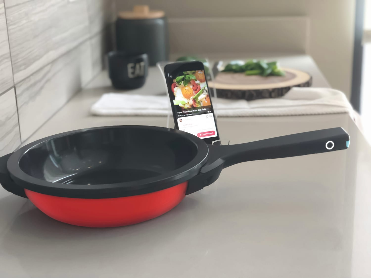 There Is Now Such a Thing As a Smart Frying Pan