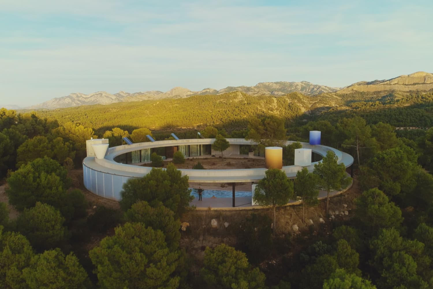 The One Genius Thing I Learned From Watching Netflix's 'The World's Most Extraordinary Homes'
