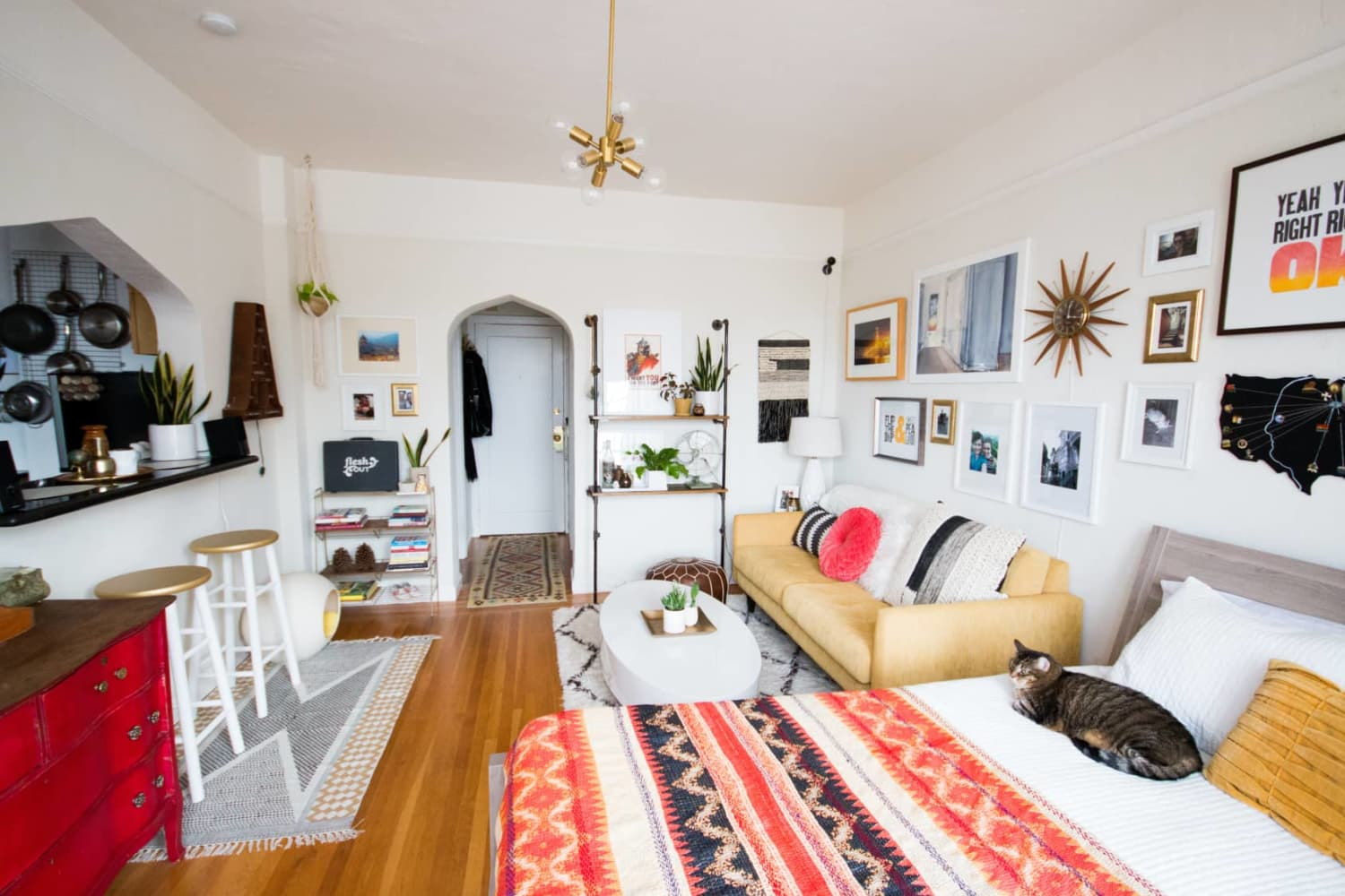 8 Quick and Easy Cleaning & Laundry Tips that Airbnb Hosts Swear By