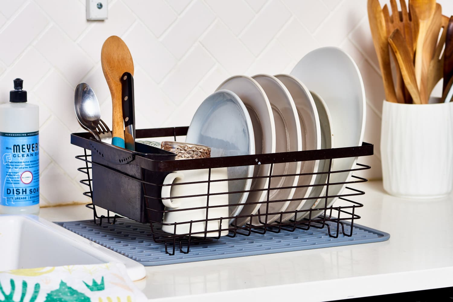 How Often You Need to Clean Your Dish Rack, According to a Pro House Cleaner