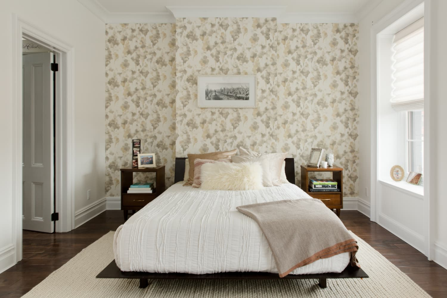 "These 4 Things Create a ""Perfect"" Bedroom, According to Real Estate Agents"