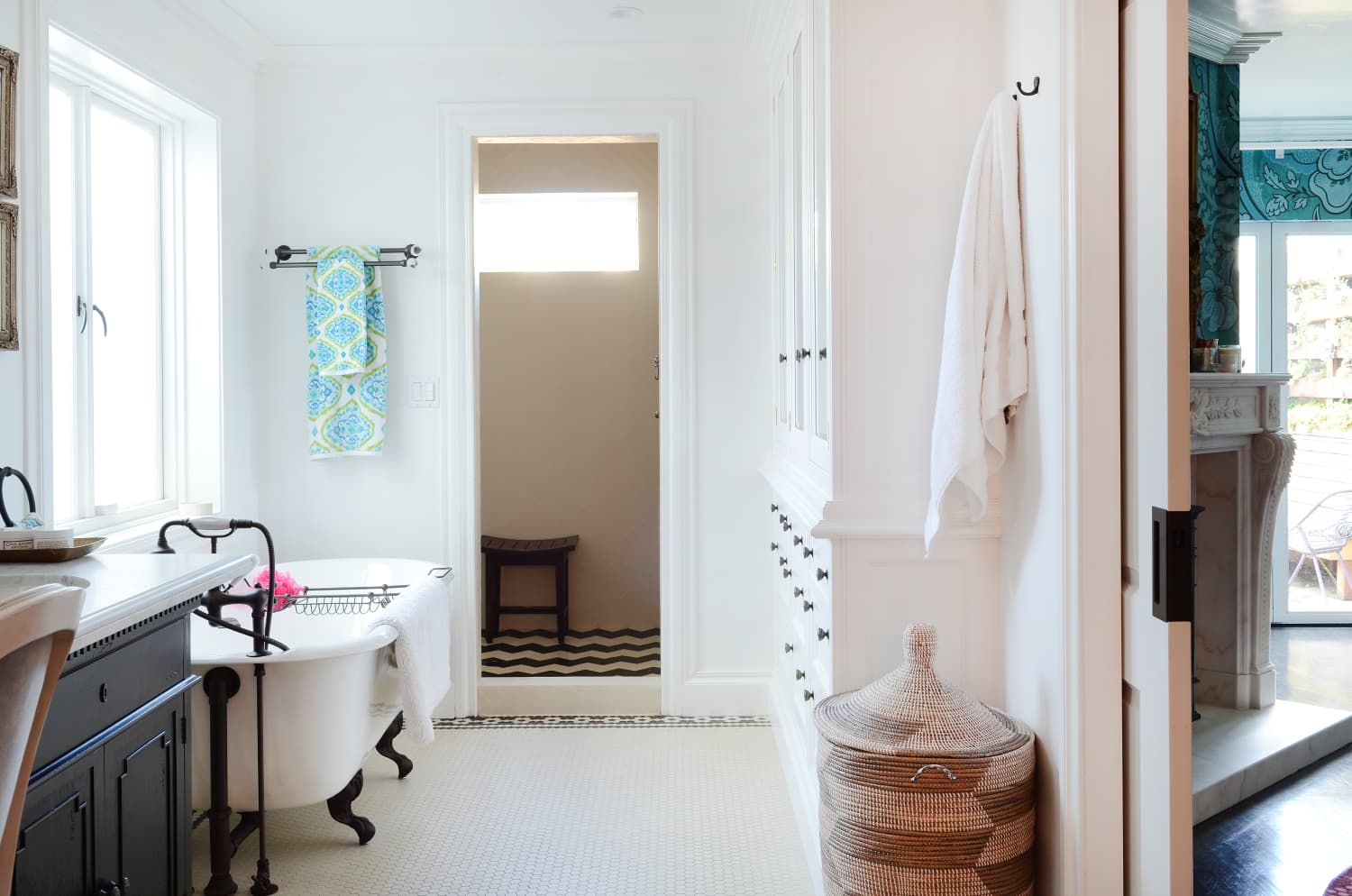 The $40 Shower Curtain 4 Apartment Therapy Editors All Bought for Their Bathrooms