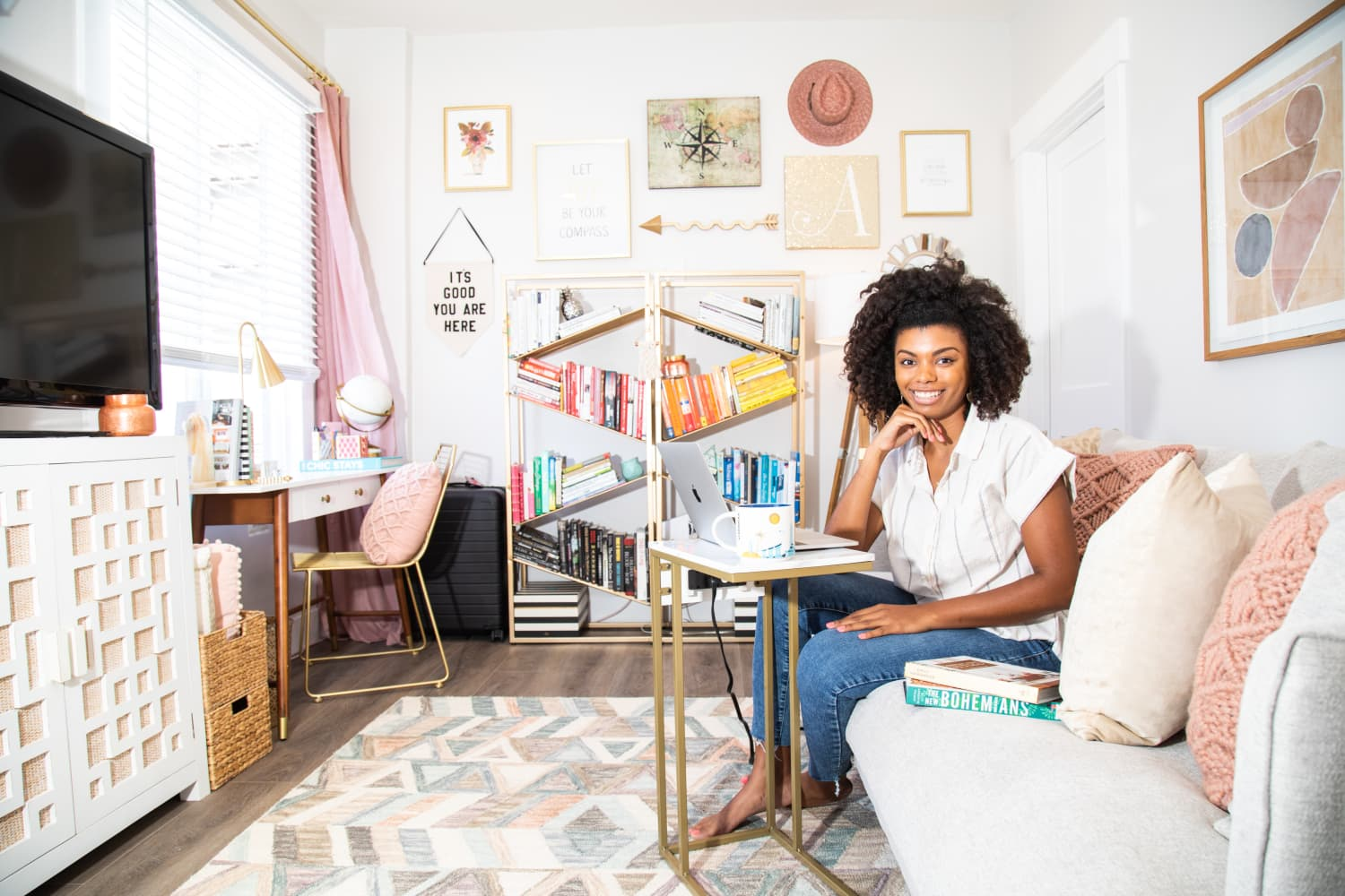 This 450-Square-Foot Rental Makes Organizing and Designing on a Budget Look Easy