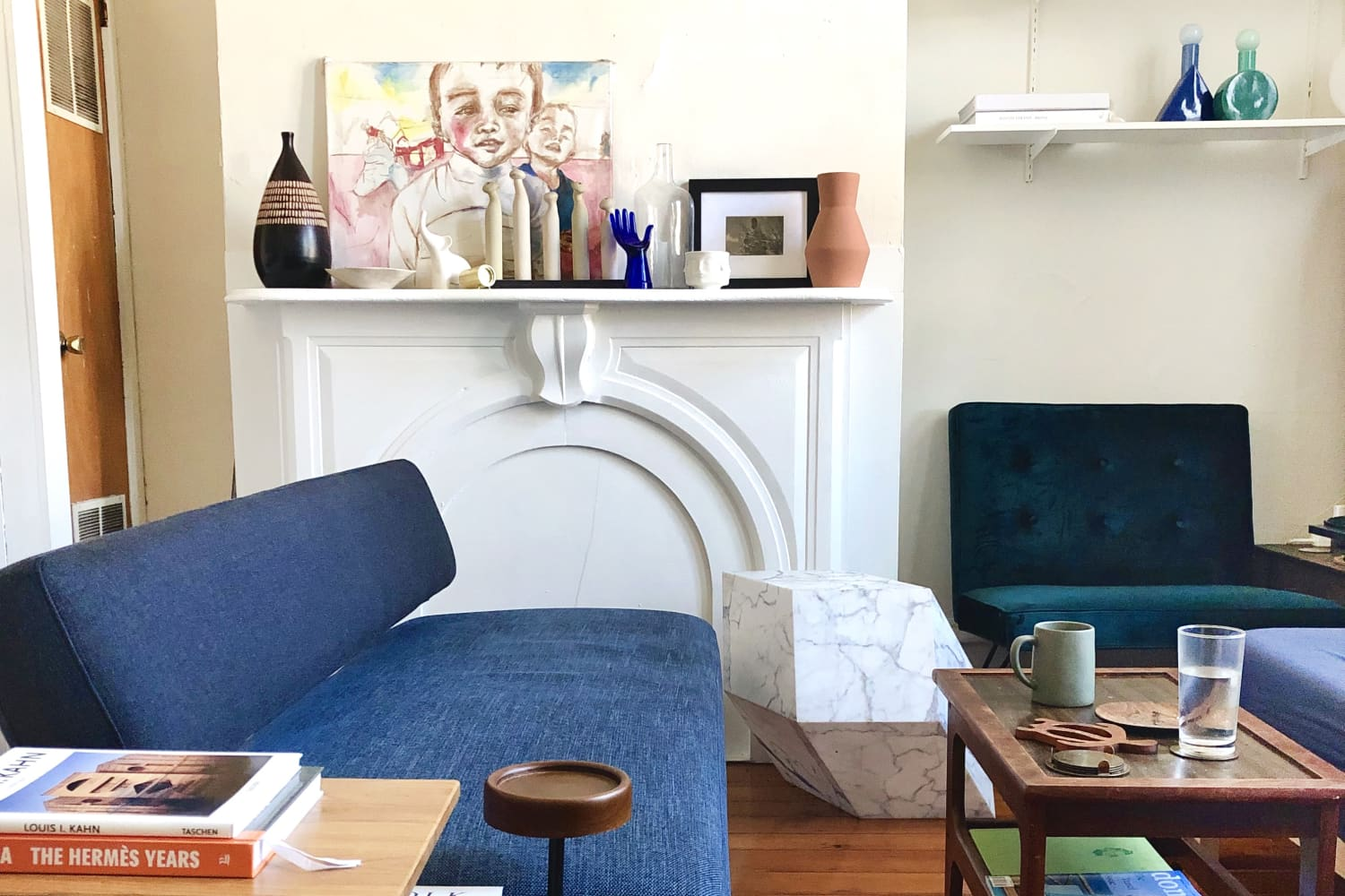 This Small Philadelphia Studio's Bed Is Located in an Unconventional Spot