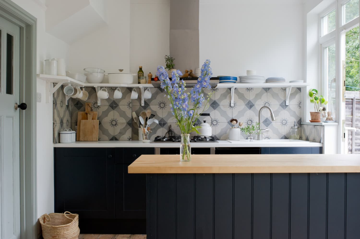 A Renovated 1930s House in London Is Bursting With Charm