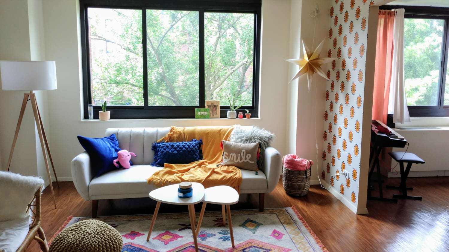 "This 500-Square-Foot ""Mid-Century Mexican"" Style Studio Apartment Is Like a Cool Dorm for Grown-Ups"