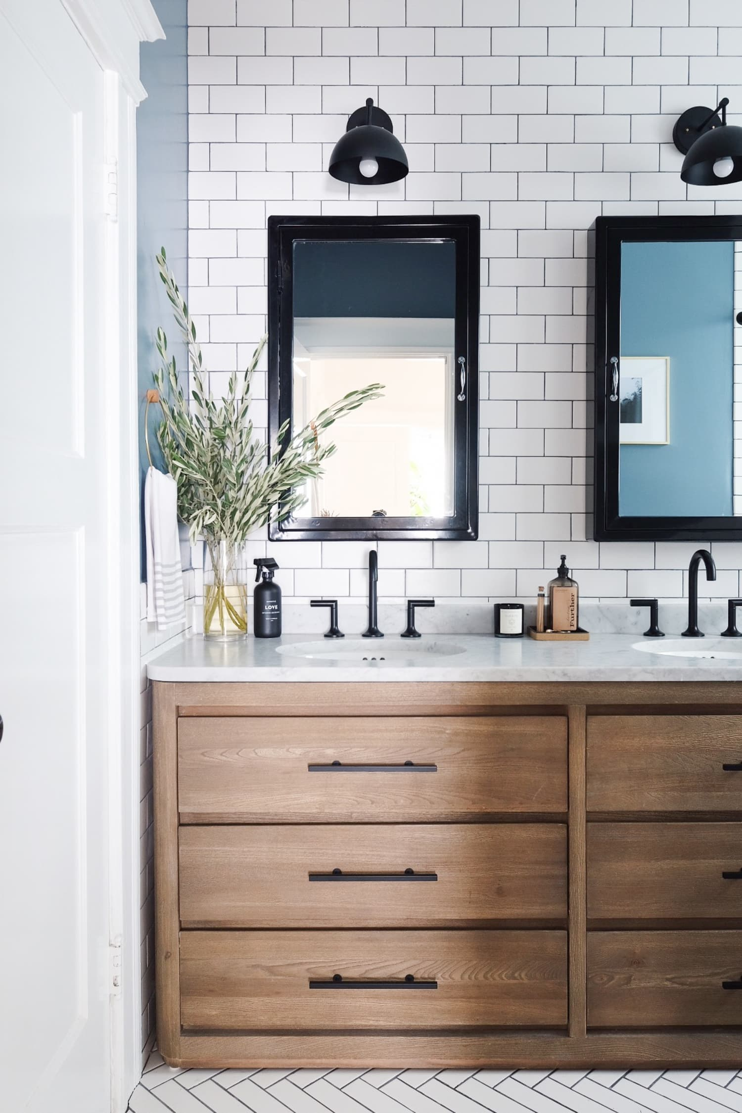 The 10 Commandments of a Luxe-Looking Bathroom