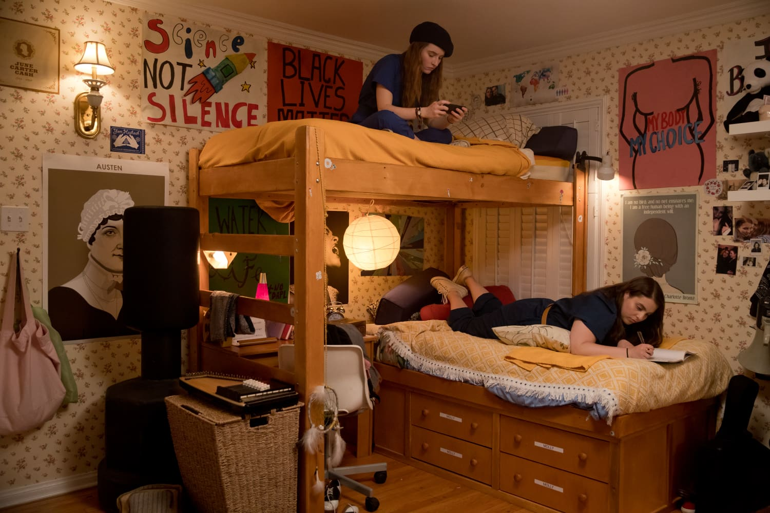 """In """"Booksmart,"""" the Teenage Bedrooms Deserve an A+"""