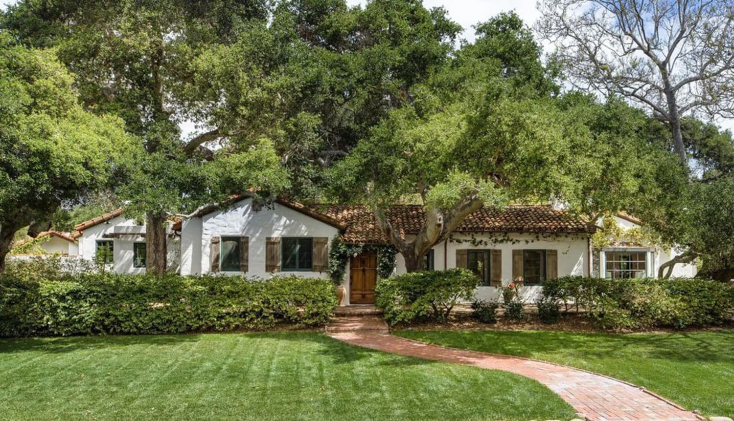 Jeff Bridges Is Selling His Montecito Home, and the Rugs Really Tie the Rooms Together