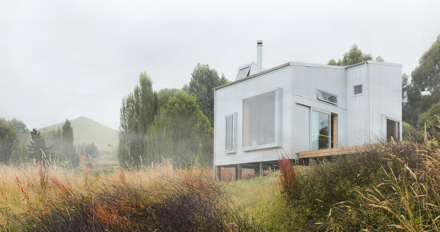 This Prefab Artist Cabin in New Zealand Is an Off-Grid Retreat