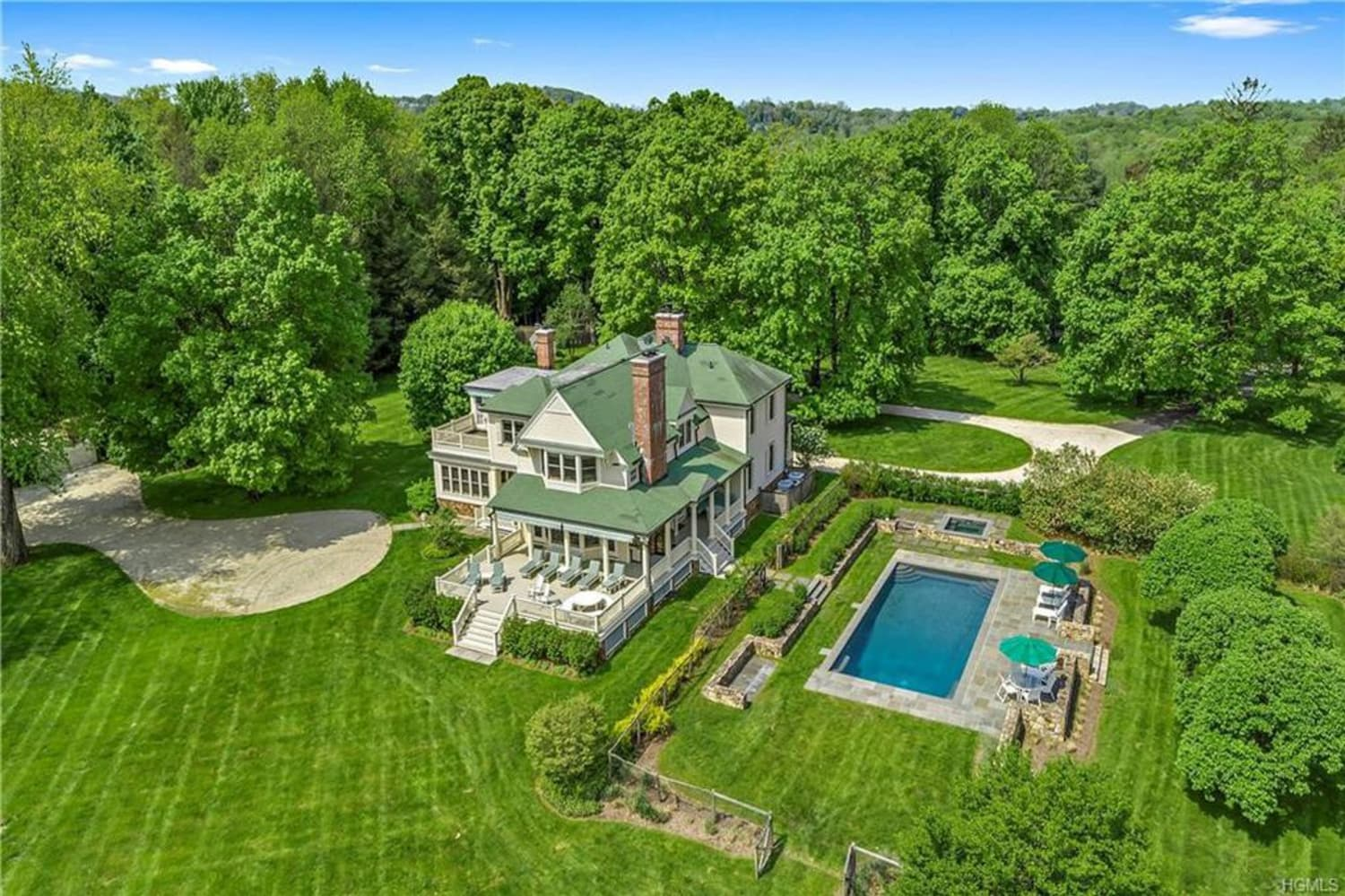 Glenn Close's Bedford Hills Estate Is Country House Perfection