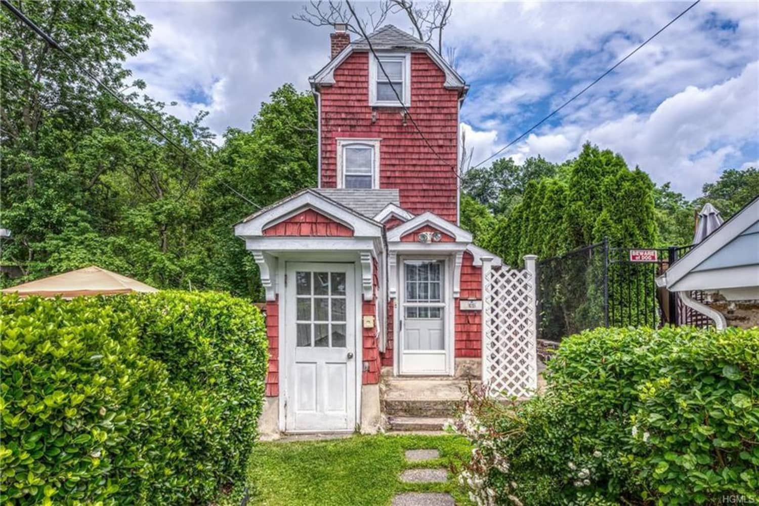 This Skinny House That's Just 10 Feet Wide Is for Sale in New York