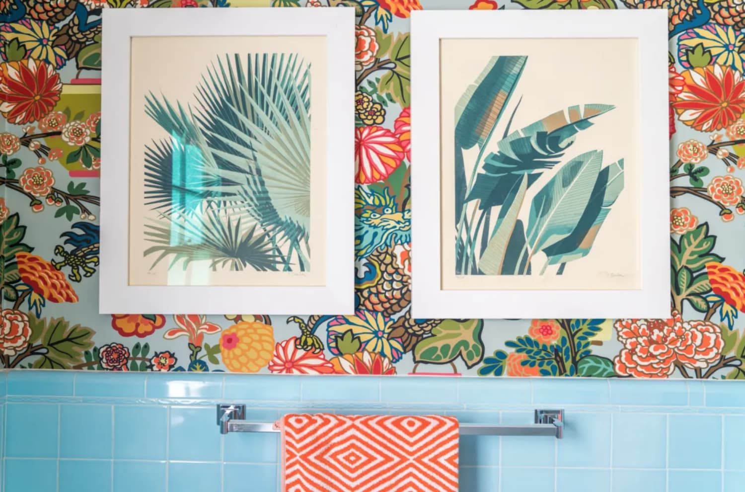 Finally, How to Decorate Your Bathroom Falls