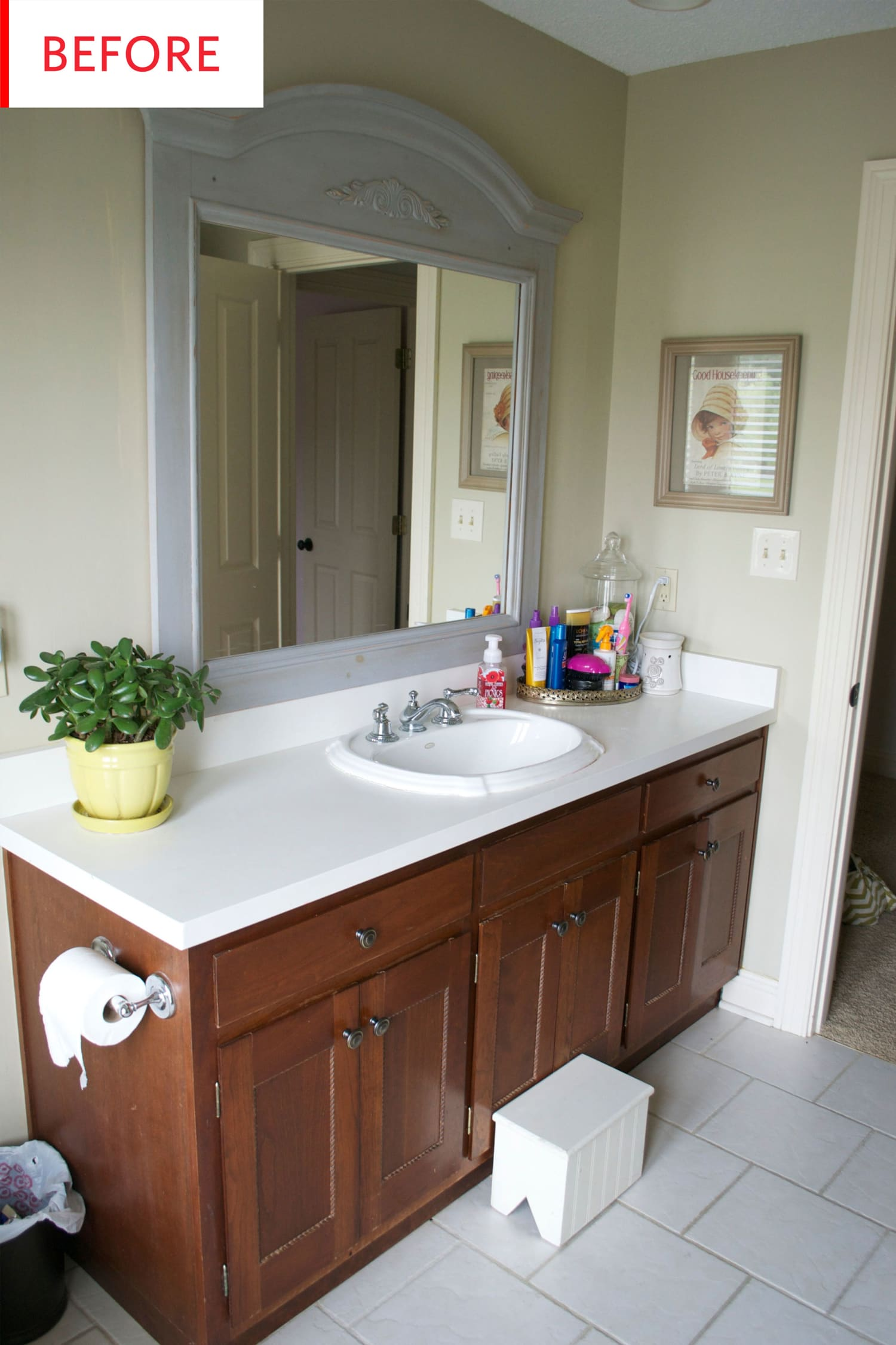 Before and After: A Run-of-the-Mill Bathroom Gets an Elegant, DIY Upgrade