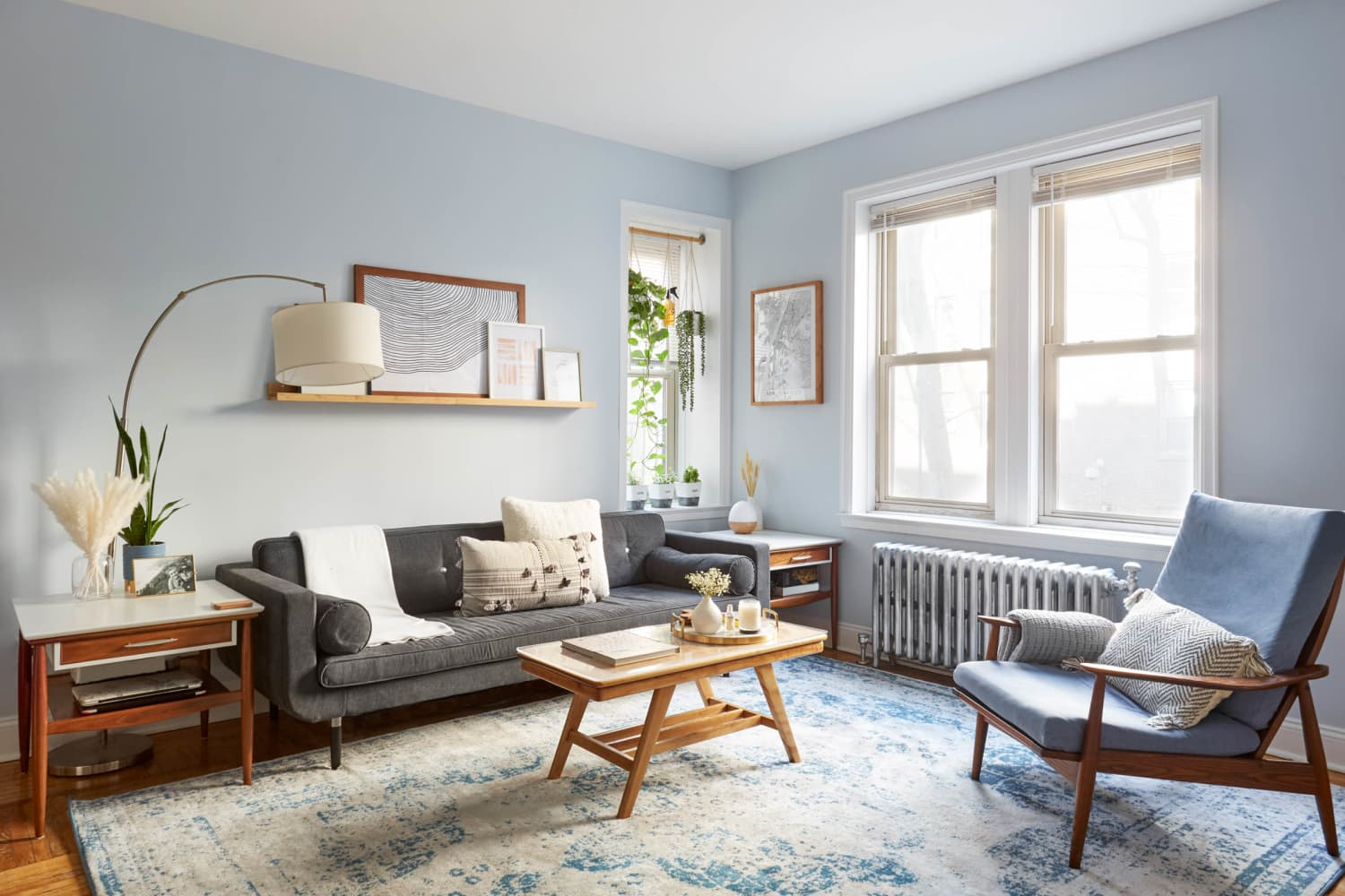 Bright, Natural Color Makes This 600-Square-Foot Apartment Feel Like a Breath of Fresh Air