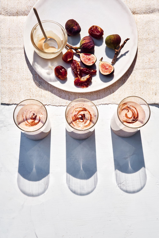 This Vegan Smoothie Is Like Eating Dessert for Breakfast