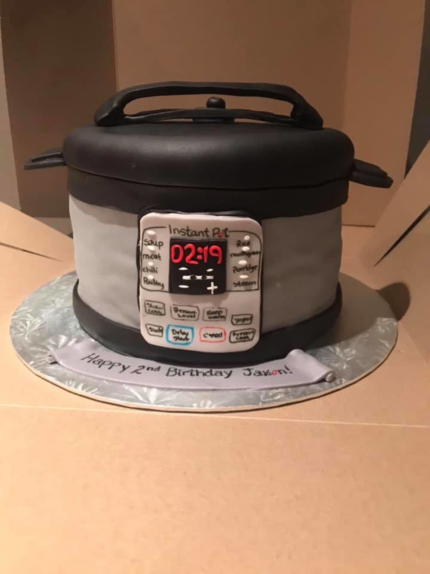 This 2-Year-Old Boy Is Obsessed with the Instant Pot So His Parents Got Him the Sweetest Birthday Cake