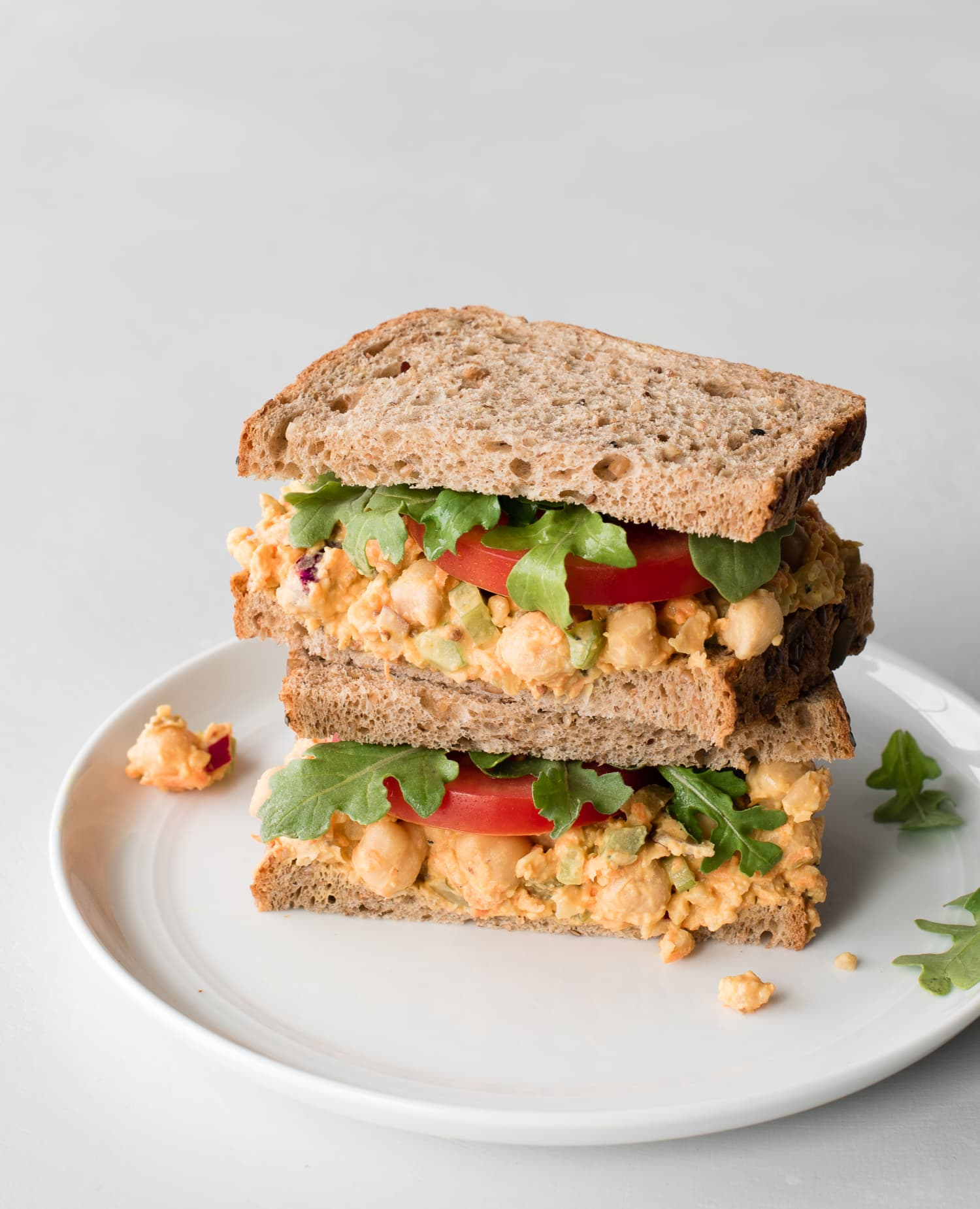 Give Your Body a Boost with This 10-Minute Smashed Chickpea Salad Sandwich