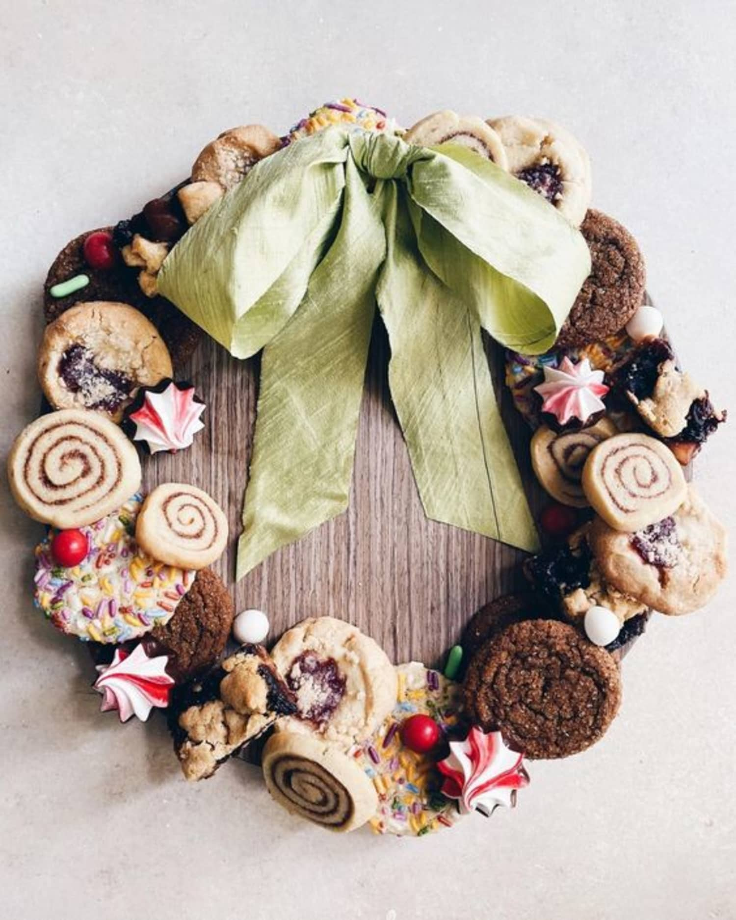 I See Your Holiday Cookie Box, and Raise You a Cookie WREATH