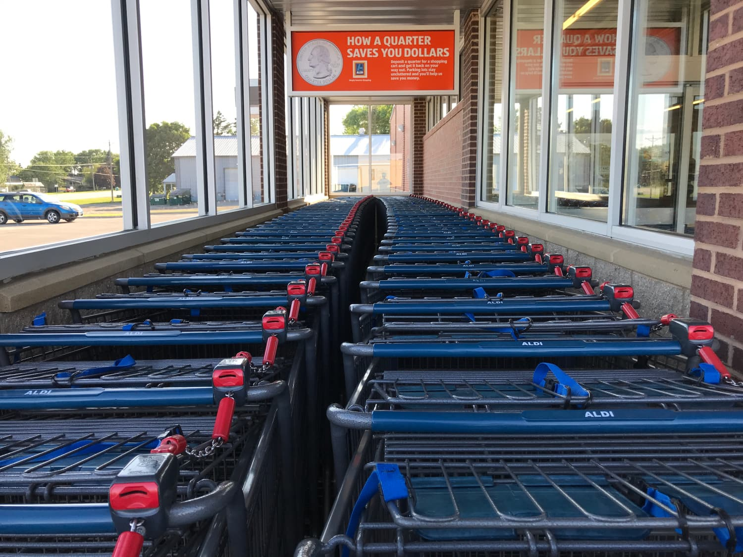 The Dos and Don'ts of Proper Cart Etiquette at Aldi