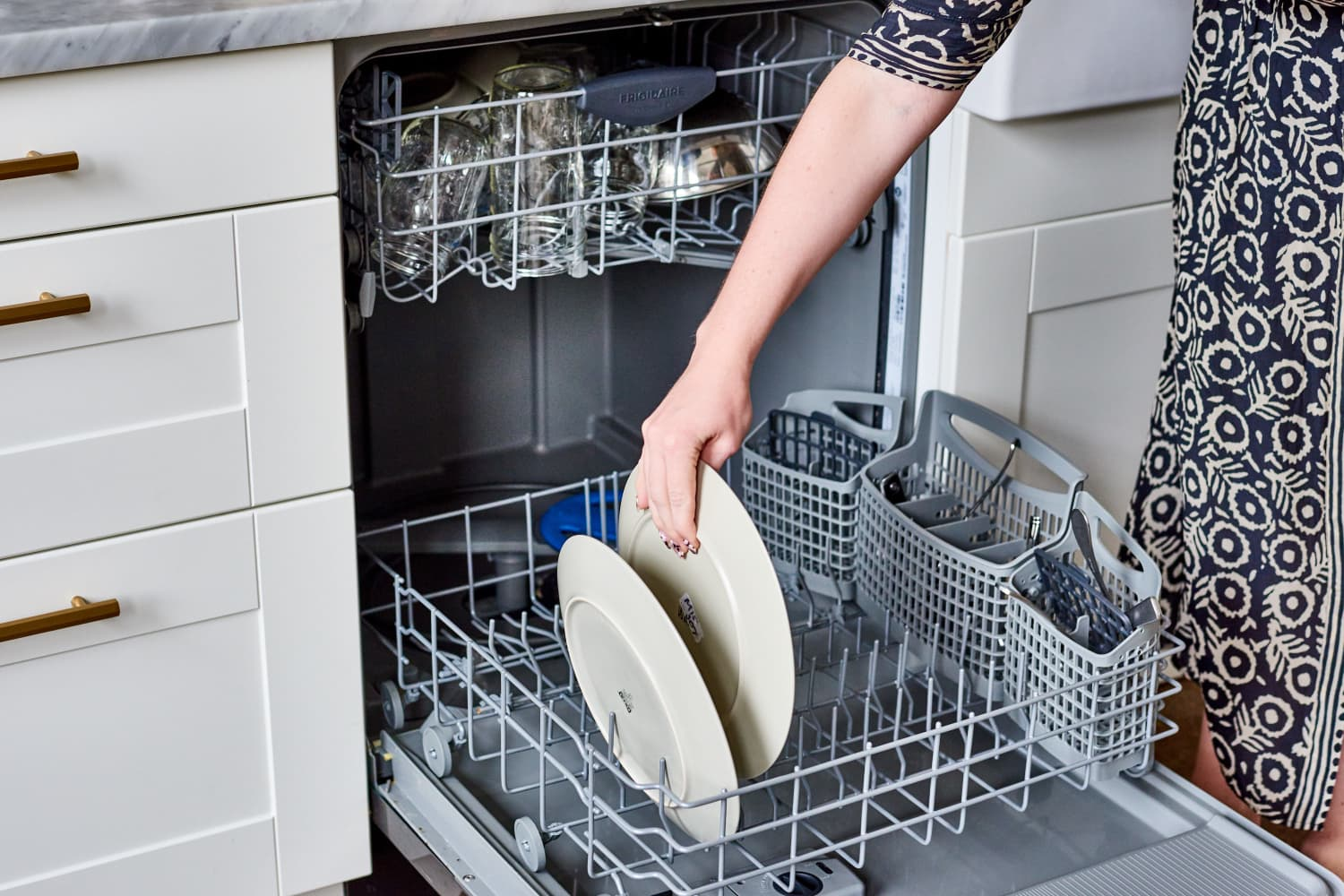 The One Thing Everyone Should Do Before Running the Dishwasher