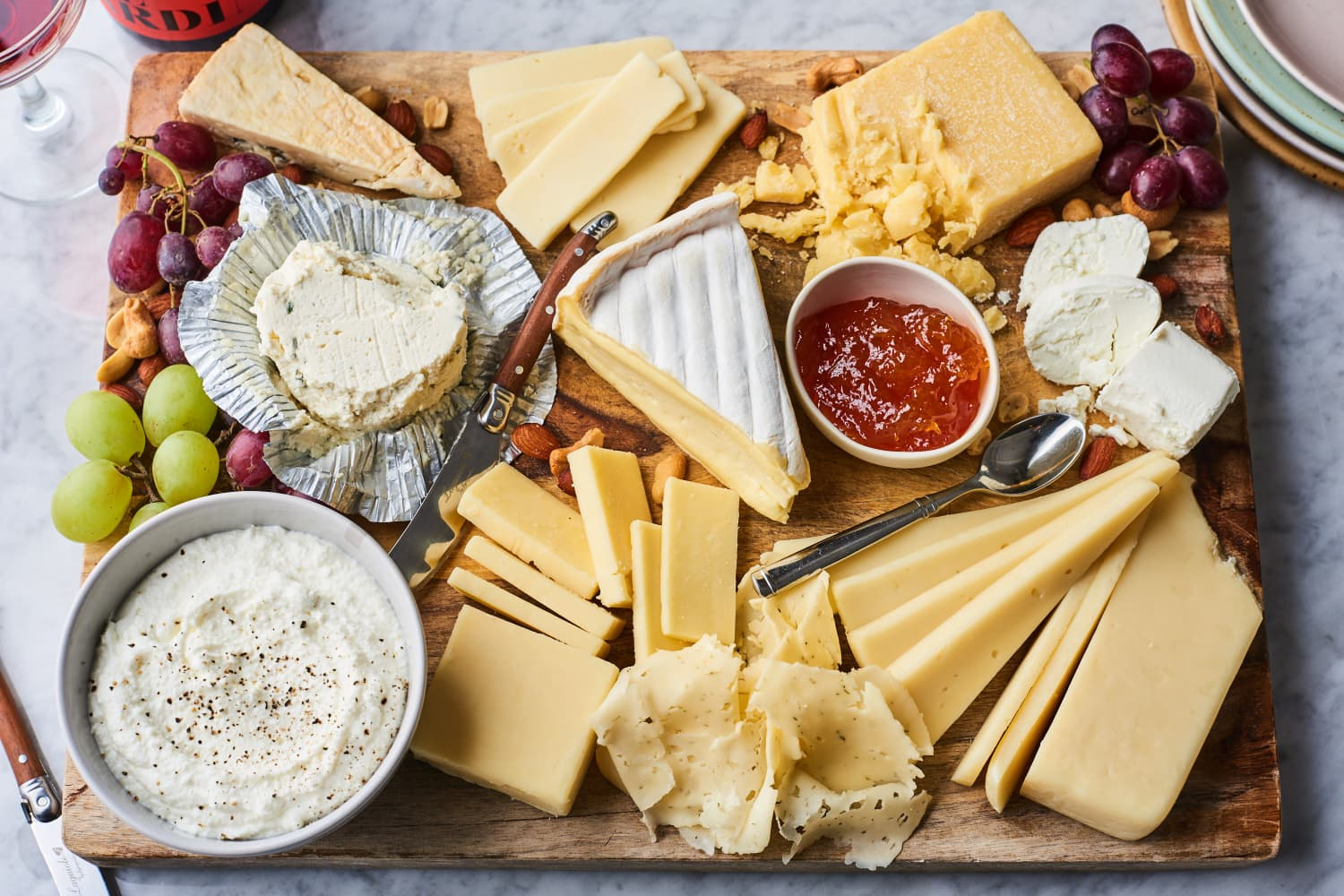 The 10 Best Grocery Store Cheeses for a Quick and Easy Cheese Board