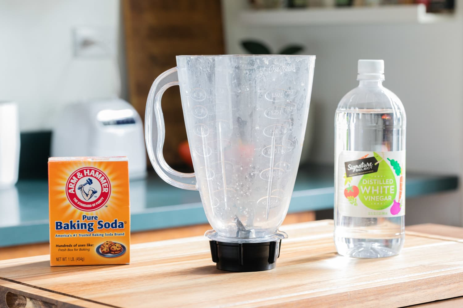 How To Clean a Cloudy Blender Container