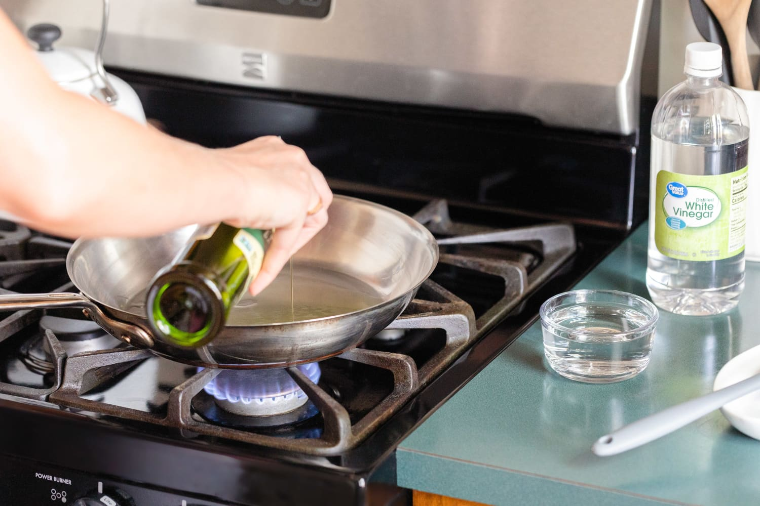 You Should Keep a Bowl of Vinegar Next to Your Stove