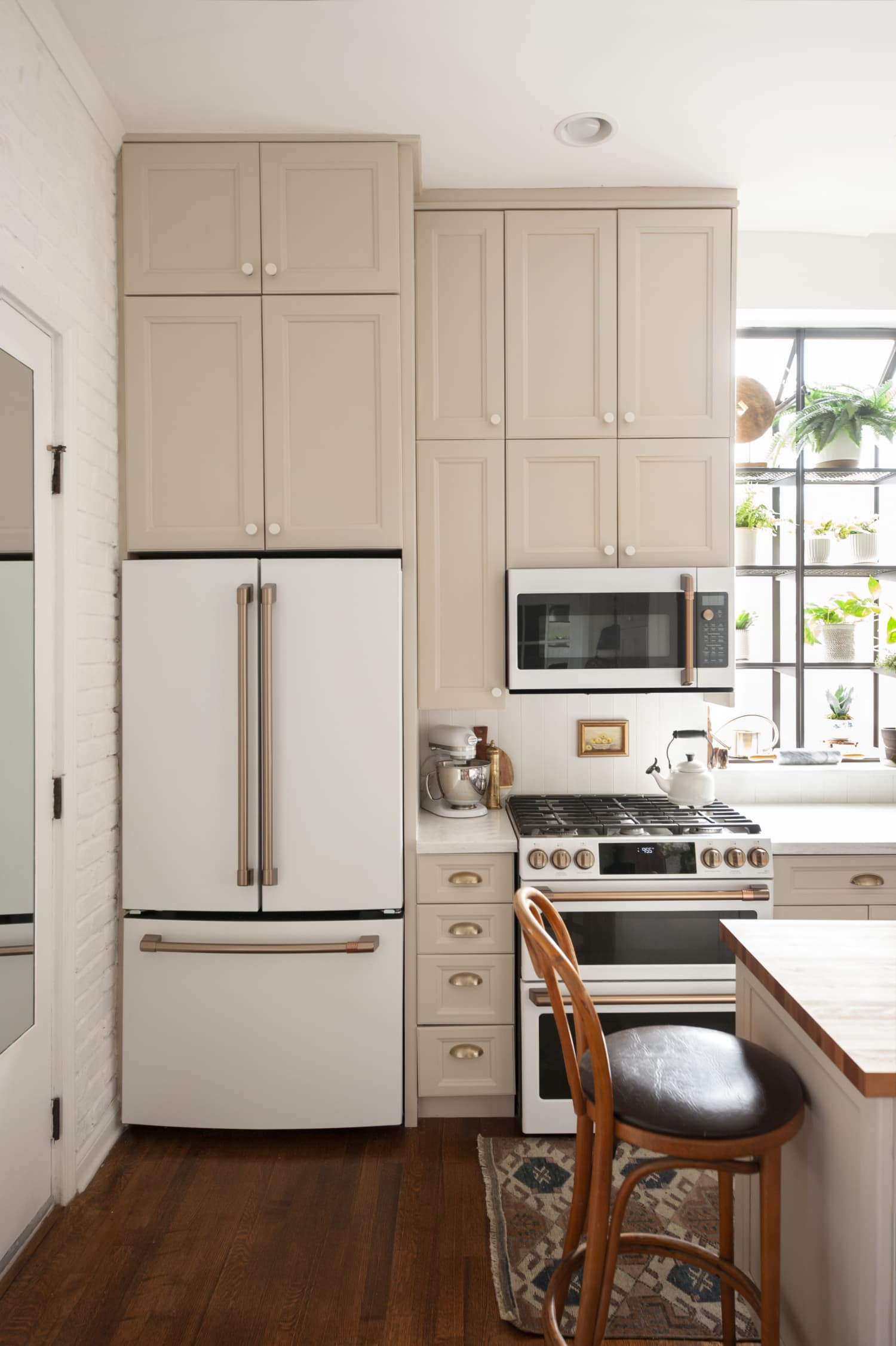 This 150-Square-Foot Kitchen in Chicago Got a DIY Renovation for Less than $16,000 — Here's How Every Dollar Was Spent