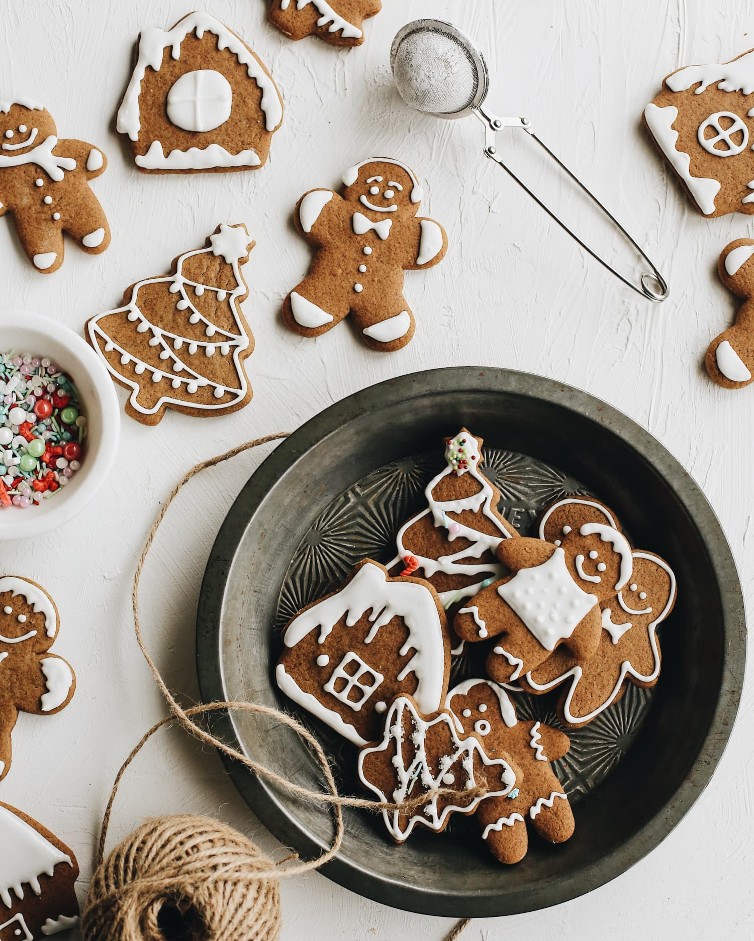 85+ Easy and Delicious Cookies to Bake This Holiday Season