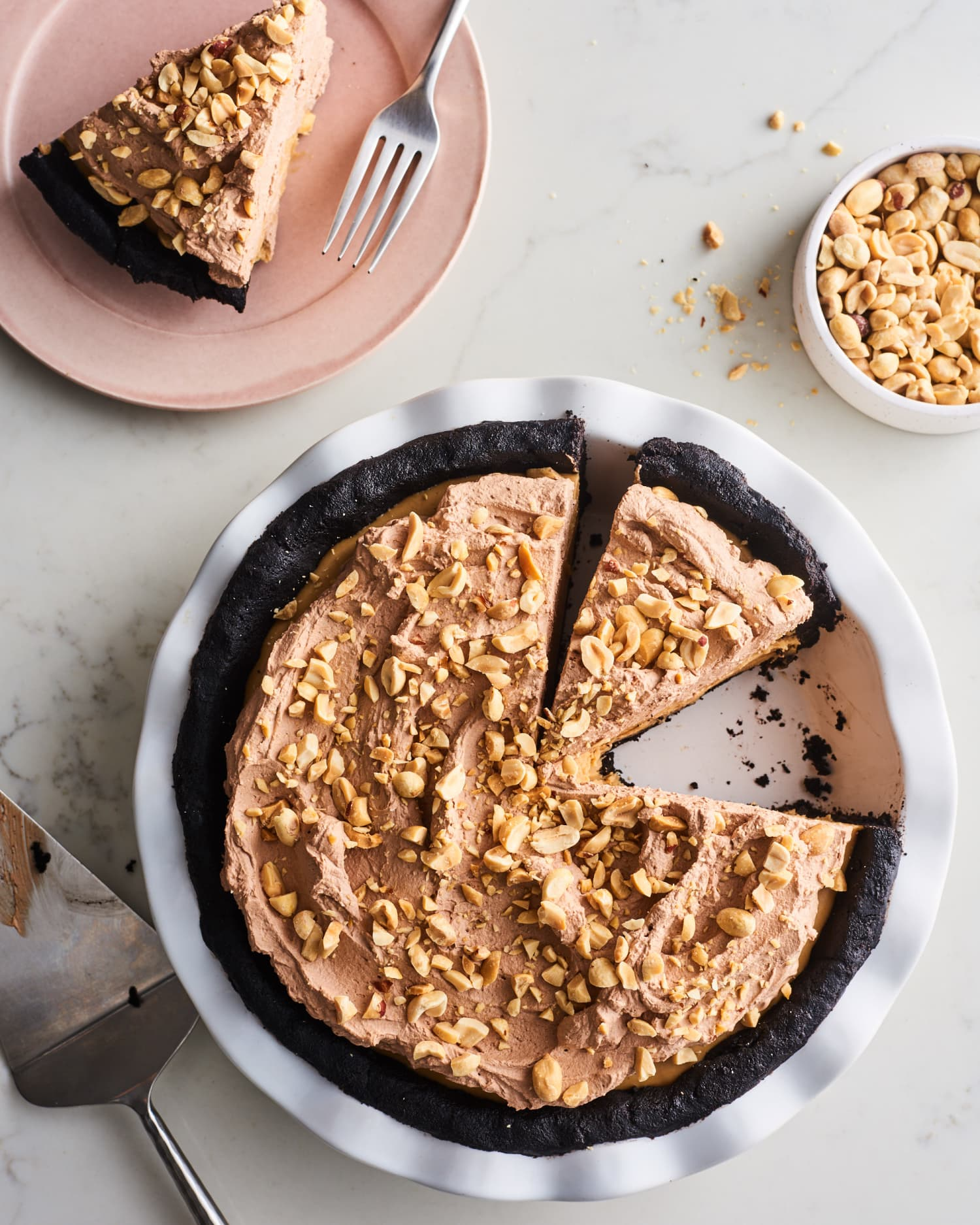 If You Can Push a Button, You Can Whip Up This One-Bowl No-Bake Peanut Butter Pie